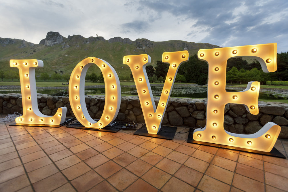 love-wedding-sign-nz