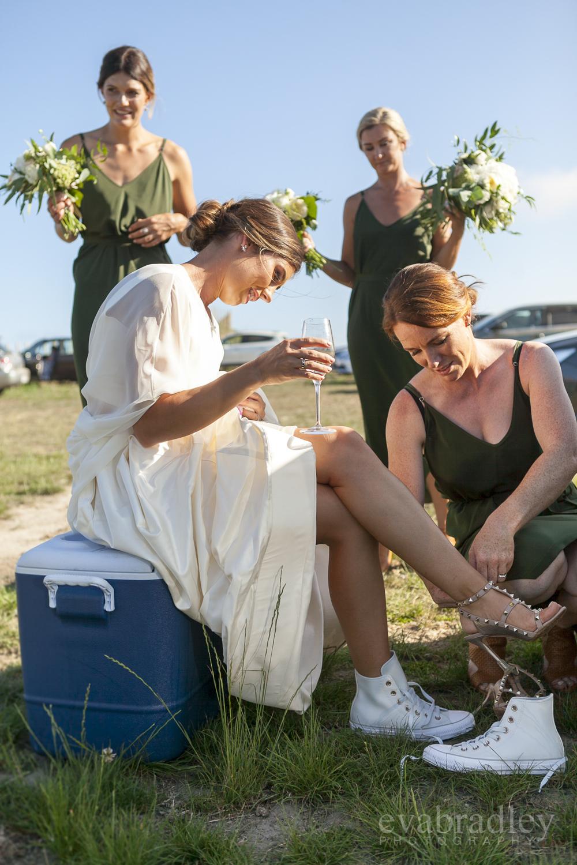 bride-wearing-converse-eva-bradley