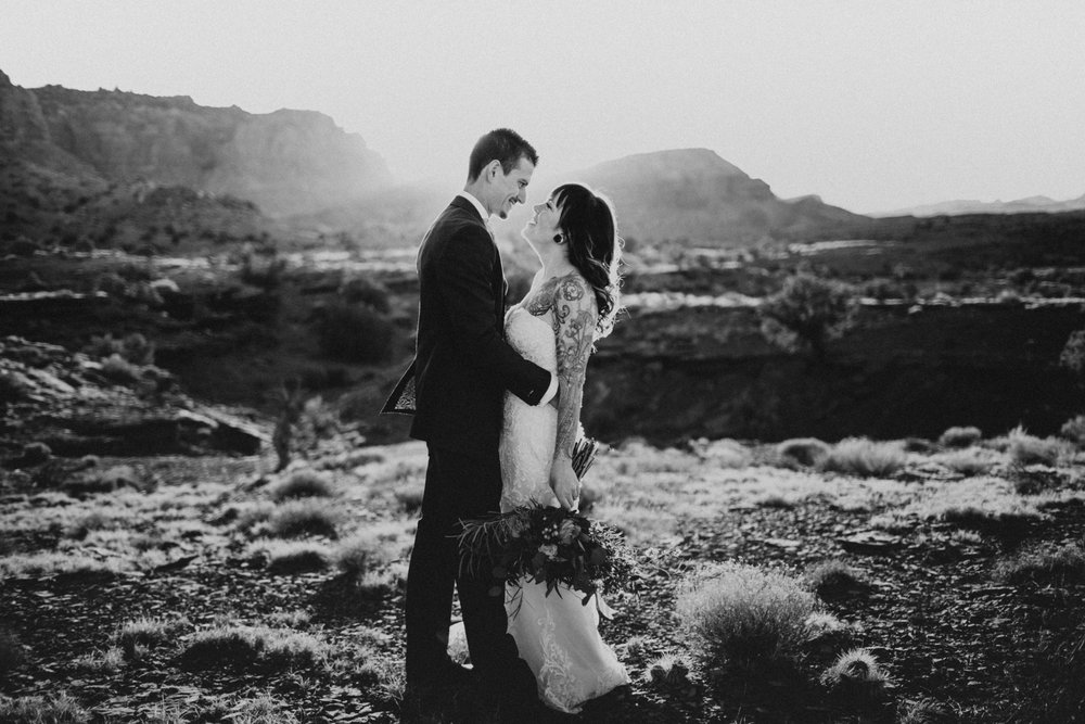 Capitol Reef Destination Wedding by Kandice Breinholt-6.jpg