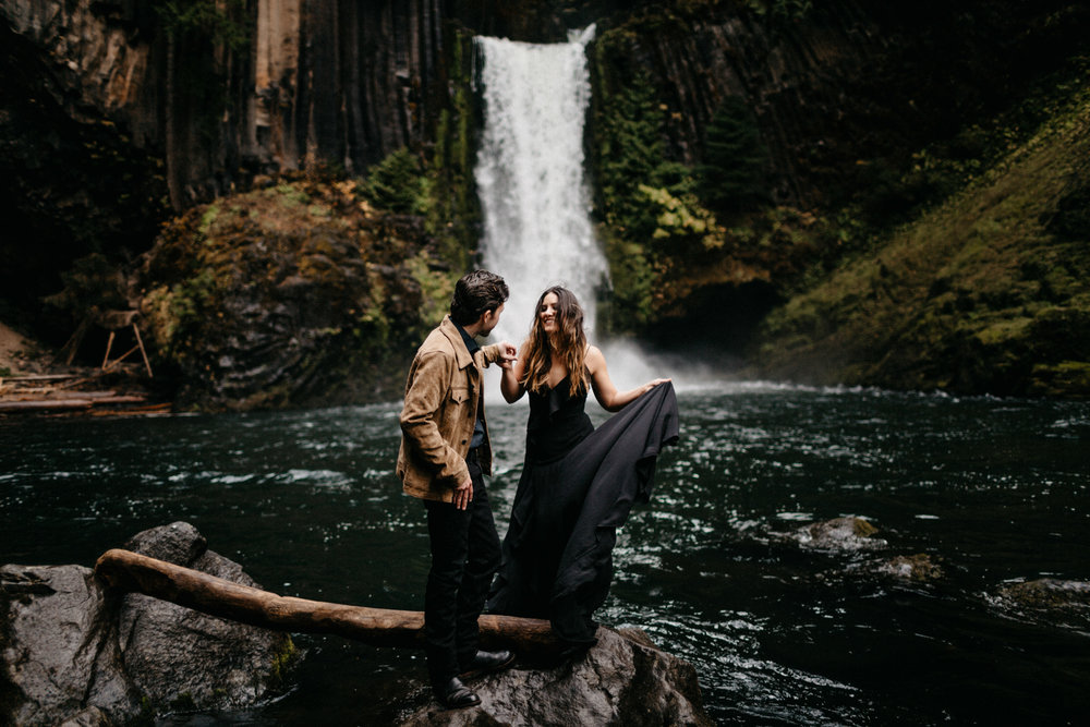 Toketee Falls Engagements by Kandice Breinholt-6.jpg