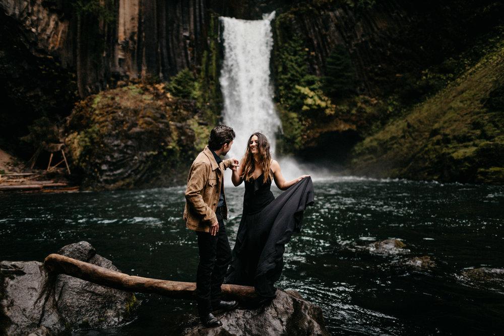 Toketee Falls Engagements by Kandice Breinholt-6.jpg