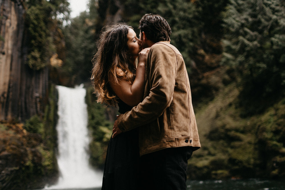 Toketee Falls Engagements by Kandice Breinholt-8.jpg