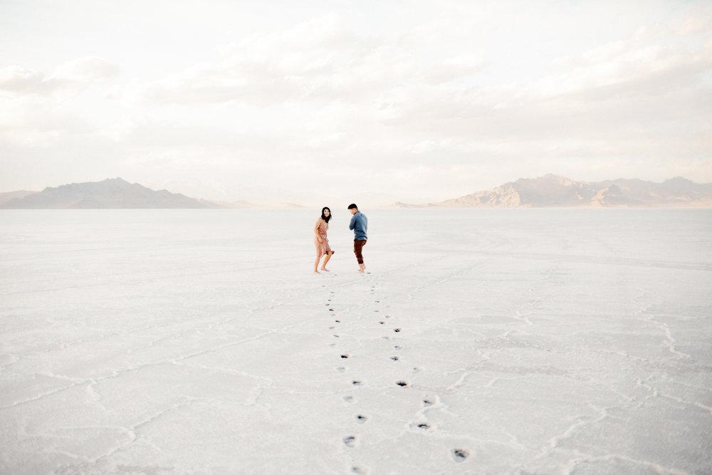 Bonneville Salt Flats Engagements by Kandice Breinholt-1.jpg
