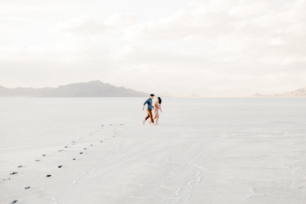 Bonneville Salt Flats Engagements by Kandice Breinholt-2.jpg
