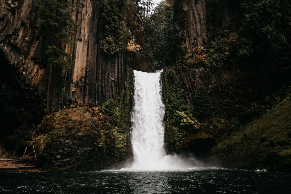 Toketee Falls Engagements by Kandice Breinholt-5-2.jpg