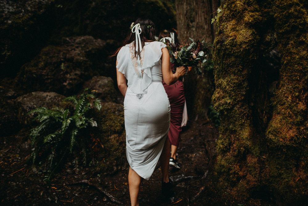 Wahclella-Falls-elopement-by-Kandice-Breinholt-77.jpg