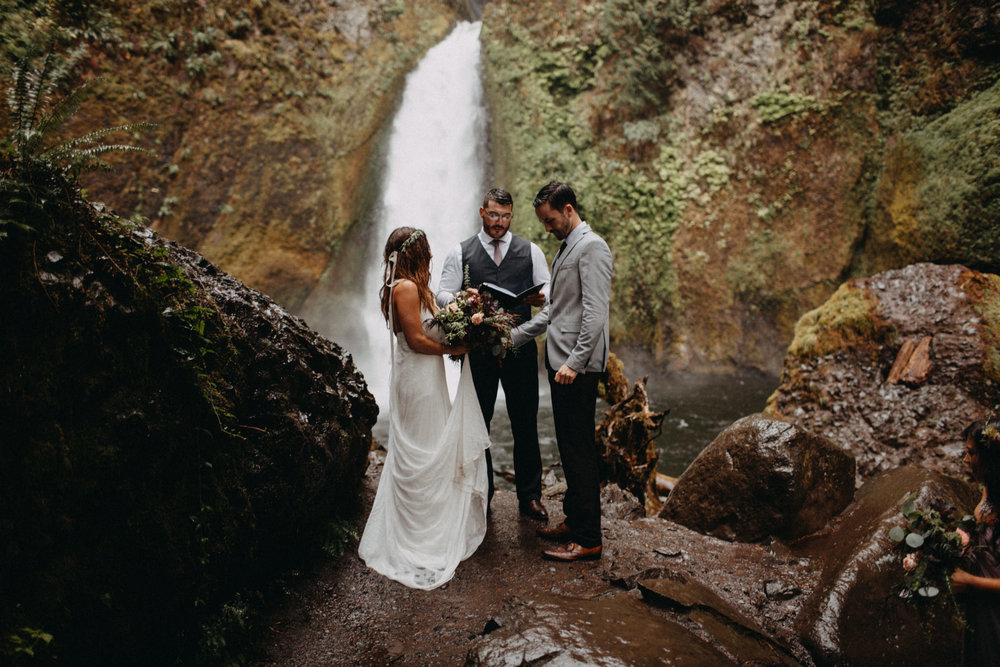 Wahclella-Falls-elopement-by-Kandice-Breinholt-83.jpg