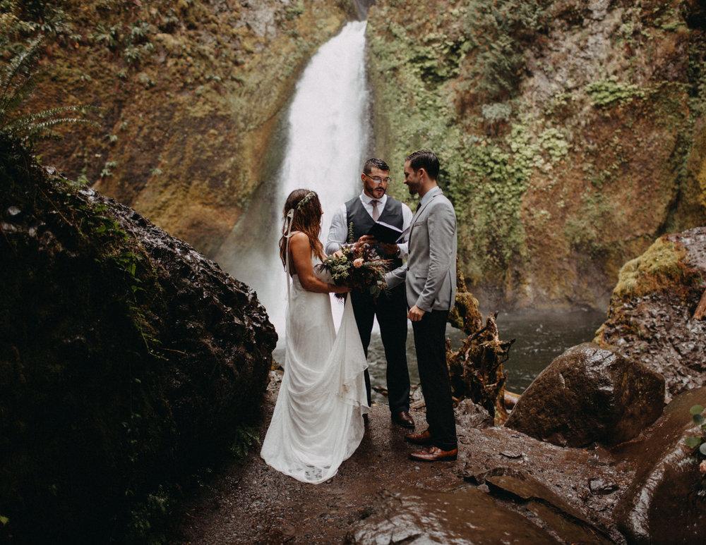 Wahclella-Falls-elopement-by-Kandice-Breinholt-82.jpg