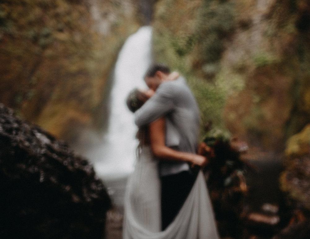 Wahclella-Falls-elopement-by-Kandice-Breinholt-88.jpg