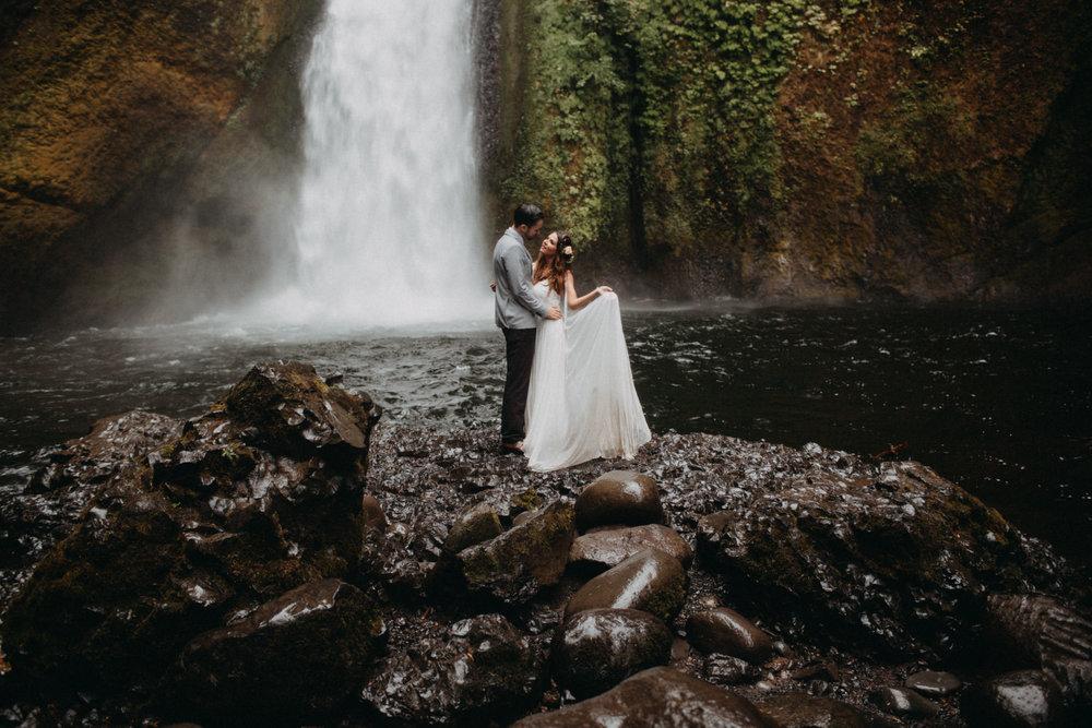 Wahclella-Falls-elopement-by-Kandice-Breinholt-93.jpg