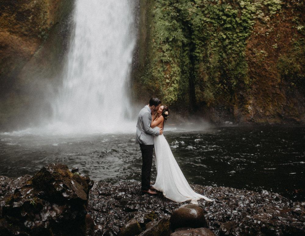 Wahclella-Falls-elopement-by-Kandice-Breinholt-105.jpg