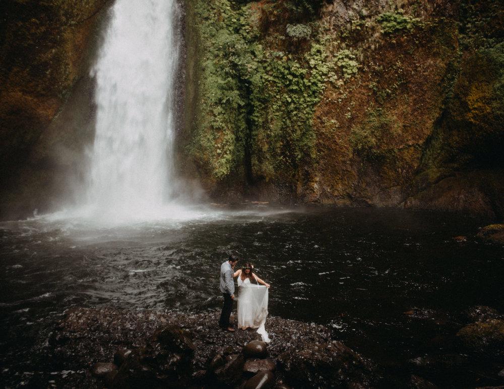 Wahclella-Falls-elopement-by-Kandice-Breinholt-134.jpg