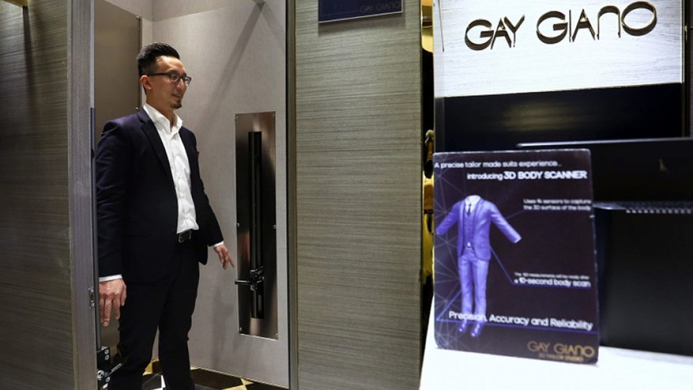 gq-gay-giano-3d-scanner-bespoke-suit.jpg