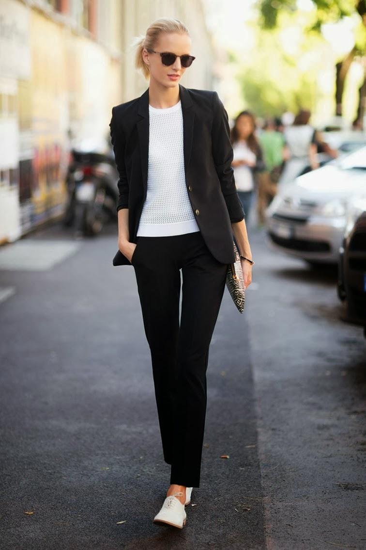 daria-strokous-melodie-jeng-street-style-paris-fashion-week-suit-minimalism-fashion-over-reason.jpg
