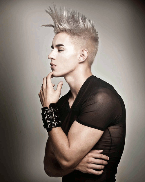 The-Mohawk-Inspired-Undercut-Hairstyle-Men