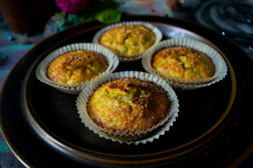 Saftiga, söta och nyttiga bananmuffins med kokos!Glutenfria, sockerfria, laktosfria.