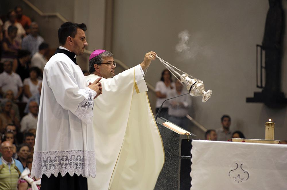...à missa com o bispo de Bragança
