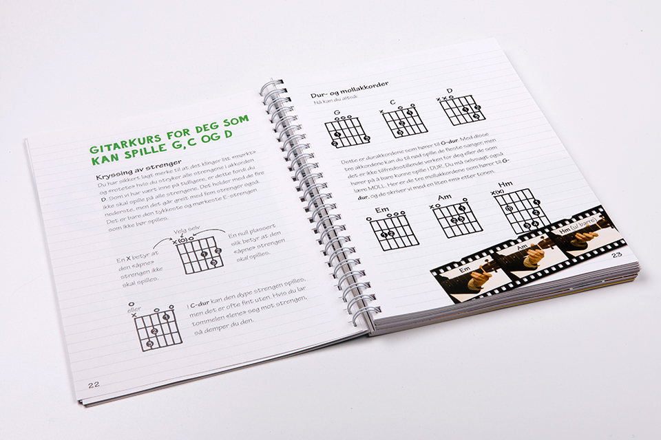 deLillos gitarbok 08.jpg