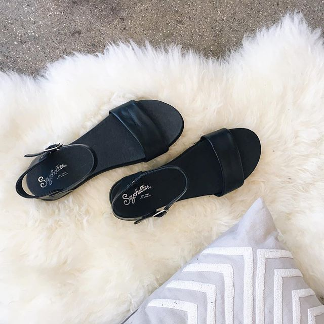 Kicking off our Sunday shoes. Time to relax 😌