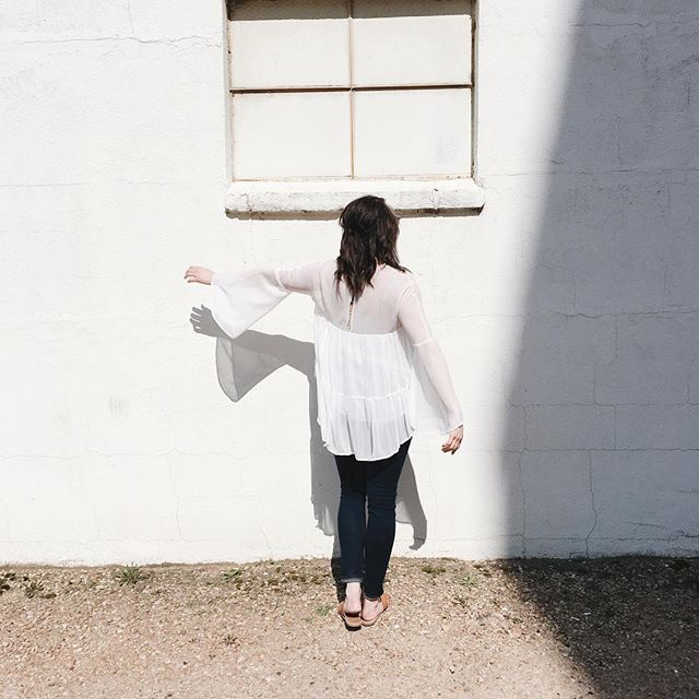 Weekend, you had us at carefree silhouettes + sun beams. We'd love to see you today! Stop by for 20-90% off in the warehouse and for your chance to win 5 gift cards to Linden Hills' businesses. Details for event at link in bio.