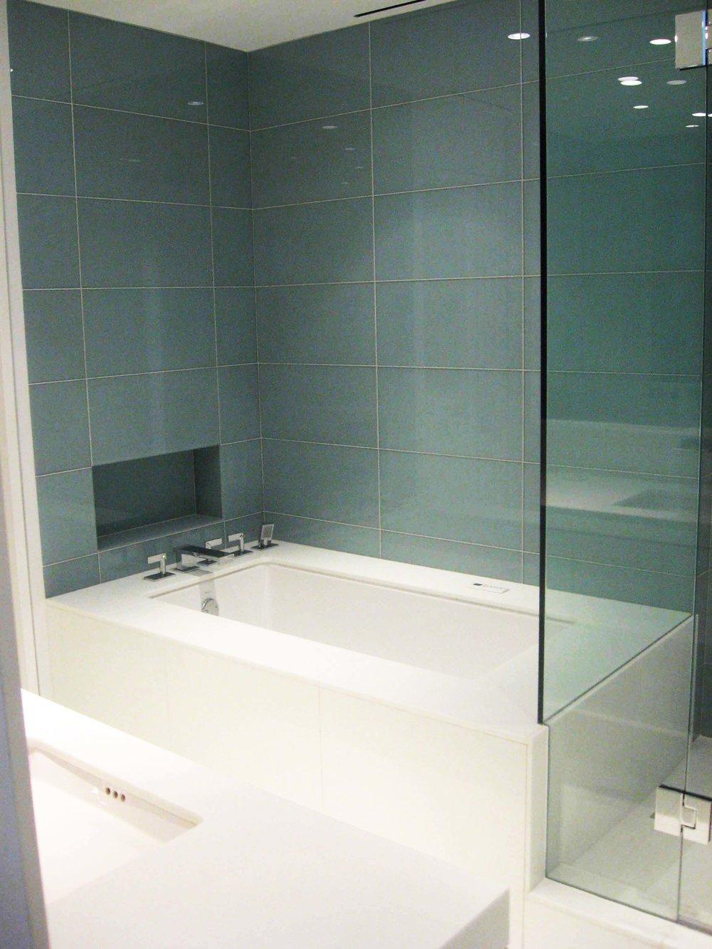 Rehnert m-bath-tub-LR.jpg