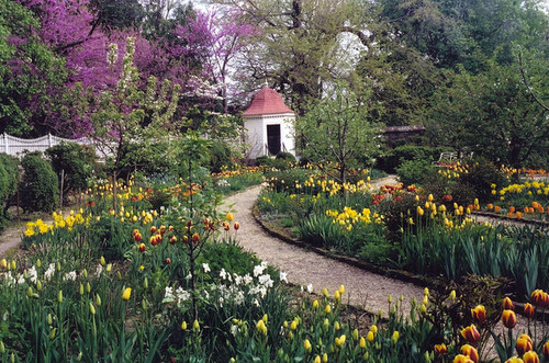 He Extensively Redesigned The Grounds Surrounding His Home Adopting Less Formal More Naturalistic Style Of 18th Century English Garden Landscape