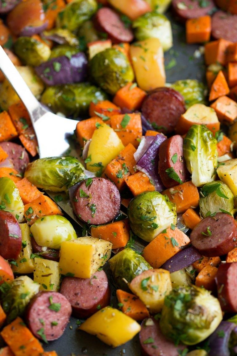 autumn-sausage-veggie-sheet-pan-dinner-5-768x1152.jpg
