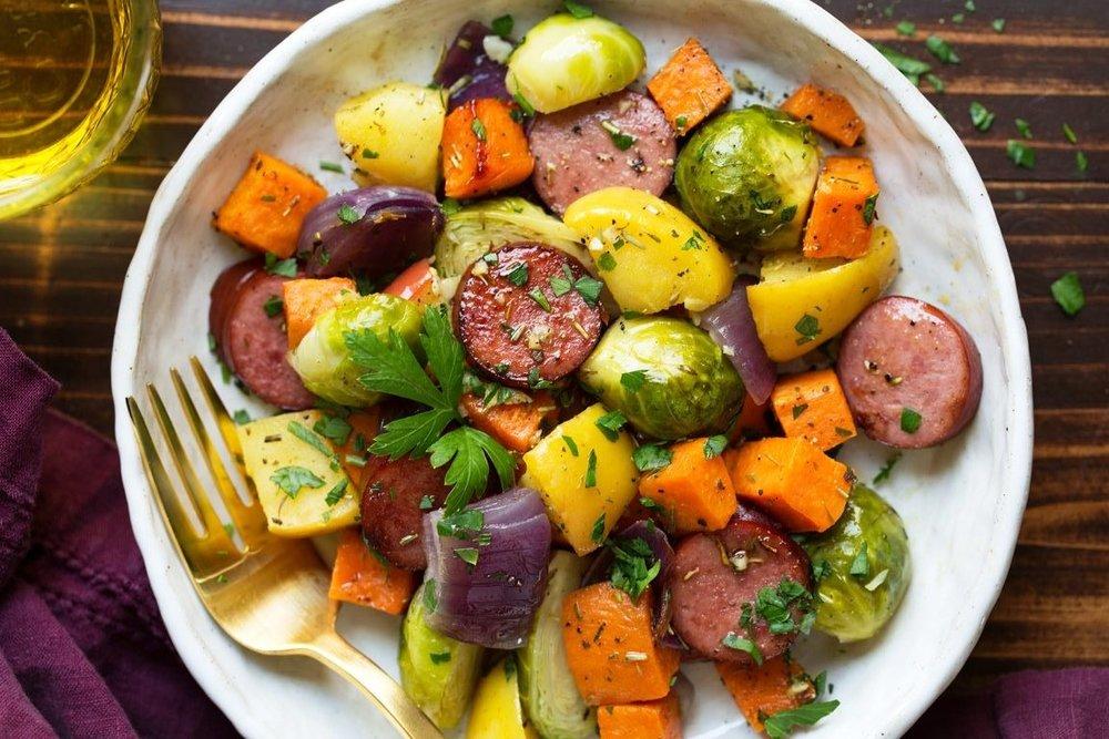 autumn-sausage-veggie-sheet-pan-dinner-4-768x1152.jpg