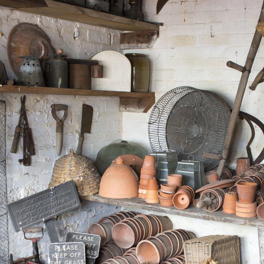 wood-tourist-attraction-potting-shed-garden-tools-terracotta-pots-galvanised-metal-buckets-562976-pxhere.com.jpg