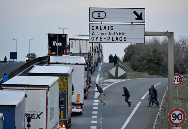 Calais immigrants: UK supply chains are in danger of 'serious disruption' (pic: Handy Shipping Guide)