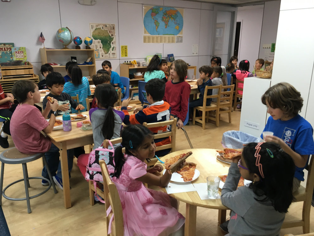 On Pizza Fridays, students have fun when each class hosts or is invited to another class for the pizza lunch.  Last Friday, Lower Elementary West hosted some friends from the Upper Elementary class.