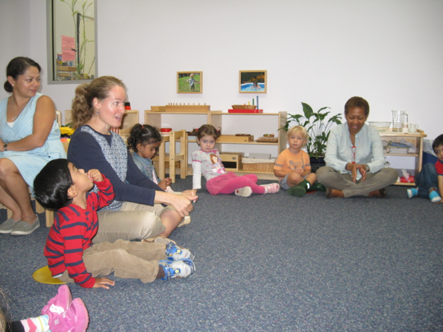 The Toddler 2 class enjoyed their first visit from Ms. Rose, the Spanish teacher.  She will visit each week to teach the children Spanish songs, vocabulary and conversation throughout the year.  They were eager to learn her lovely song about manos (hands) and dedos (fingers), as well as to hear their old favorite, The Itsy Bitsy Spider, in Spanish.