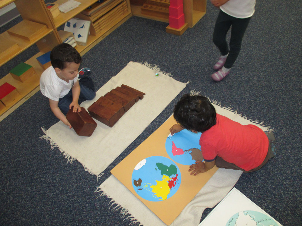 Primary 1 students continued to reinforce their knowledge of the continents by working with the Puzzle Maps in the Cultural area of the classroom.