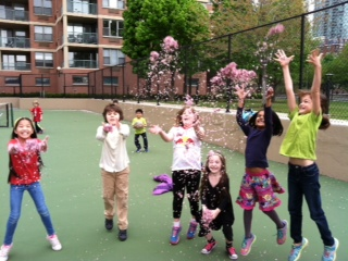 The Lower Elementary West students enjoyed spring time fun at recess!