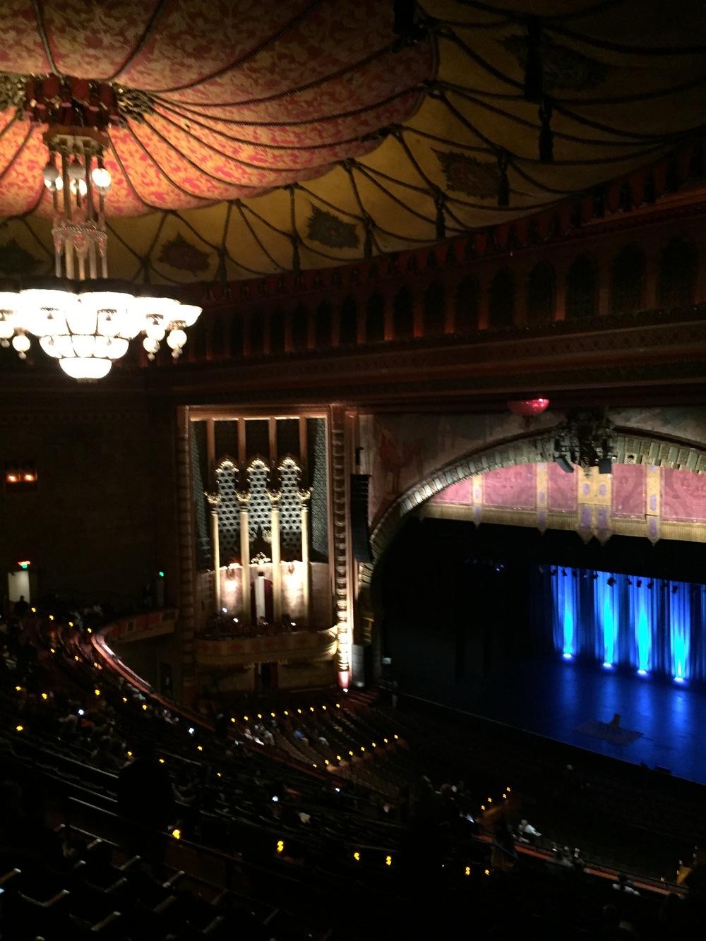 How gorgeous is USC's Shrine Auditorium?