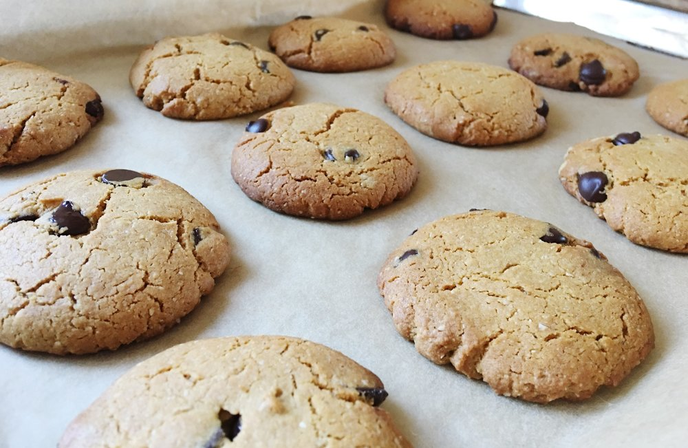 vegan choc chip cookies.JPG