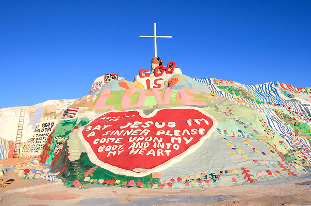 Palm-Springs-Guide-Salvation-Mountain.jpg