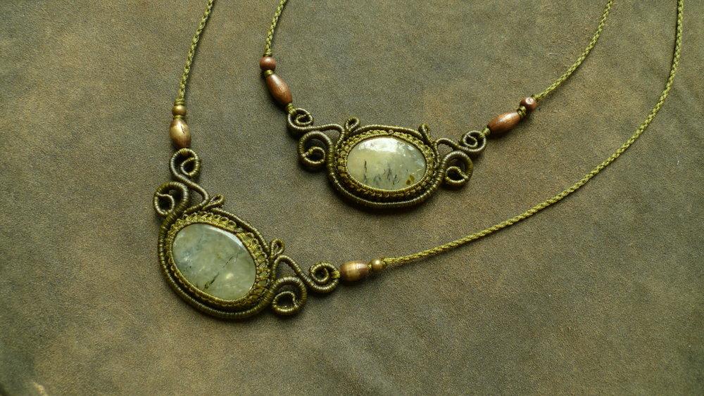 small spiral necklace Prehnite