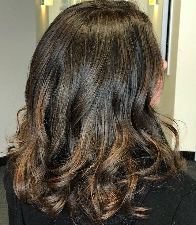 Beautiful Caramel Latte tones!  Perfect for the season!  #austinhair#austincolorist#austinsalon#atxhair#studiotilee#tilee#llee#mediumhair#tousledwaves#mediumlayers#schwarzkopf#blondeme#pravana#olaplex#brondehair#balayageombre#balayagehighlights#austinbalayage#behindthechair#imallaboutdahair#beigebrownhair#carameltones#naturalbalayage#hotd#hairof2018#solasalons#itsa10haircare#livedinhair#.
