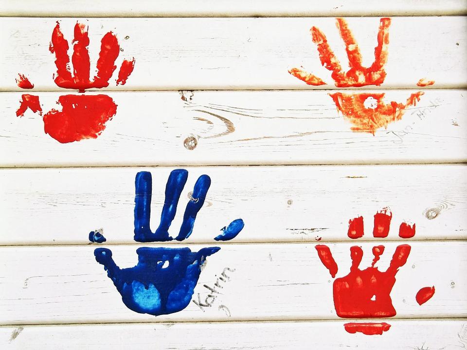 handprint-472090_960_720.jpg