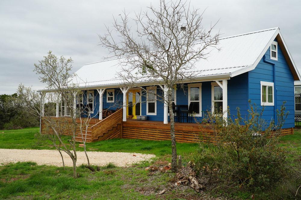 Kanga Cottage Cabin 18x56 JVZ 004.jpg