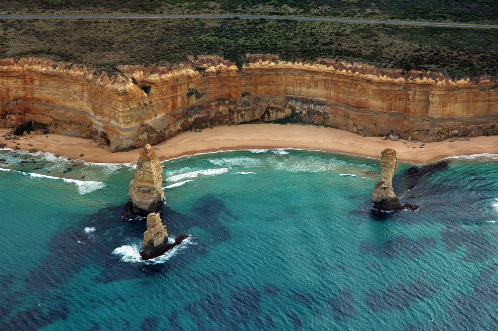 wracks und surfer - Australiens Great Ocean Road