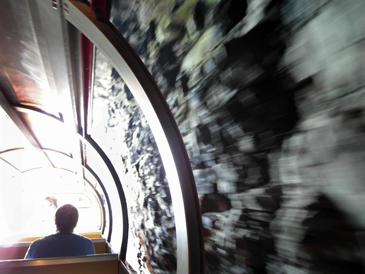 Schweiz+Aus_dem_Tunnel.jpg