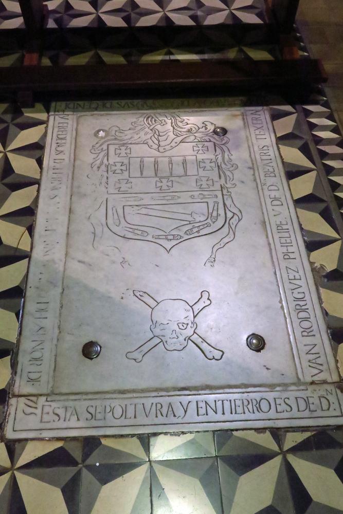 Augenzwinkern für die Ewigkeit: Grab des Amaro Pargo