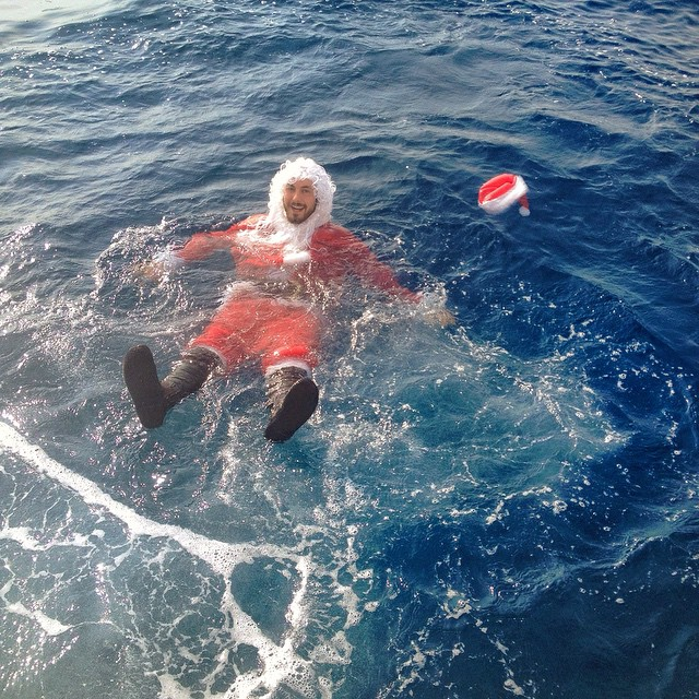 If you are wondering why there is a waterlogged Santa in the Pacific Ocean, go to  http://www.mantarayshawaii.com/_blog/Manta_Rays_in_Kona_Hawaii/post/thank-you-and-merry-christmas-2014/    No reindeer were harmed in the making of this video, but Santa's majestic flowing beard may have scared a shark out of her cave.