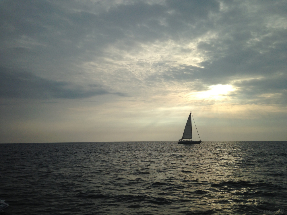 Kona_Sailboat_Sunset.jpg