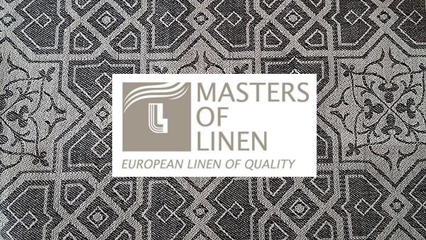 Masters of Linen   ist die Garantie für Leinen, welches zu 100 % in der Lieferkette Pflanze, Faden bis hin zum Stoff in Europa hergestellt wird. Es ist eine registrierte Handelsmarke und ein exzellentes Siegel sowohl für den Handel als auch den Verbraucher. Wir orientieren uns an den Leitsätzen des Clubs Masters of Linen.   Erleben Sie unsere Stoffqualität