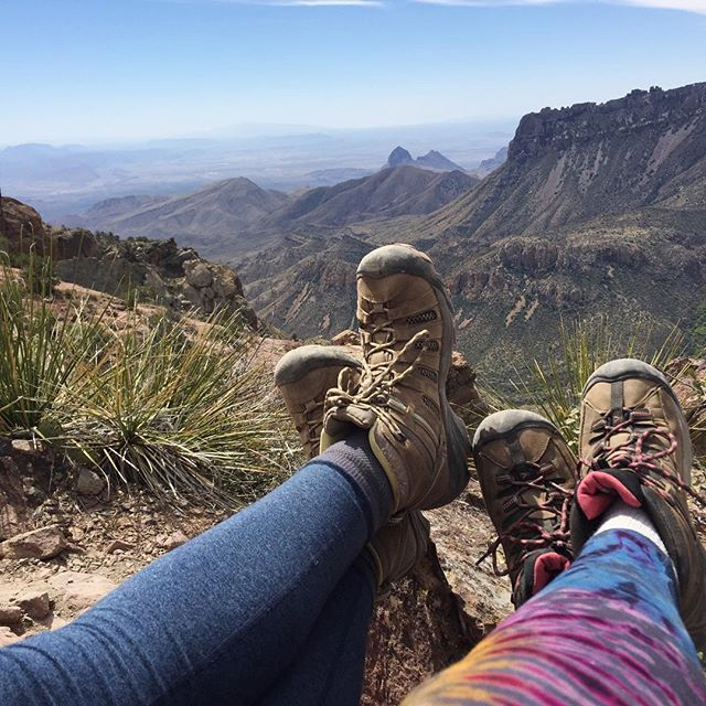 The reward at the top of the Lost Mine Trail. 🌸🌵This five mile hike, with more than a 30-stories incline, is worth every step. #weekendvibes