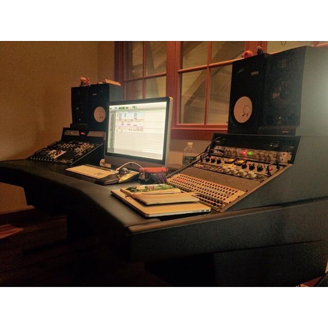 Mixing @danzimberg #thefarmstudio