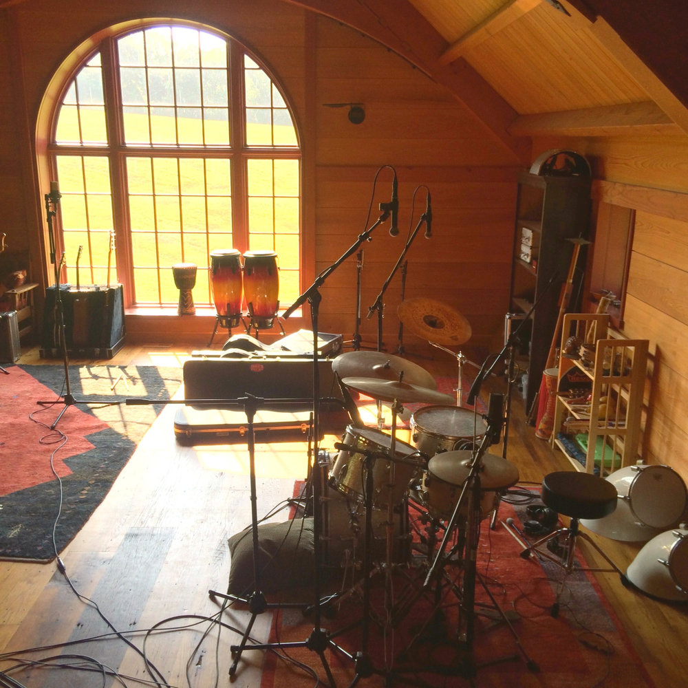 Recording drums with Jo(h)nband, August 2014 (photo by ET)